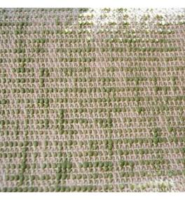 Detail olivové jutové podložky na jógu